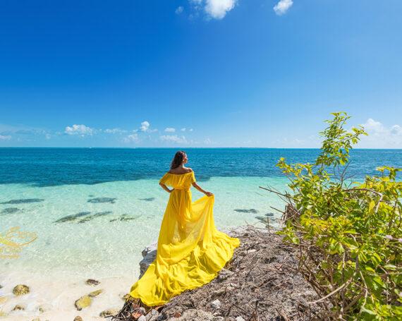 Flowy dress photoshoot in Cancun.
